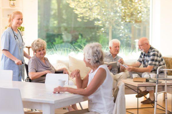 Serviceflat met ouderen